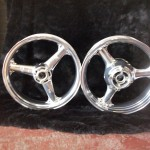 Polishing Alloy Wheel